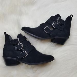 Universal Thread Black Suede Pointed Toe Bootie